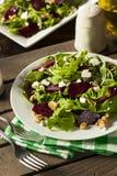 Roher grüner Salat der roten Rübe und des Arugula Lizenzfreies Stockbild