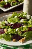Roher grüner Salat der roten Rübe und des Arugula Stockfotos