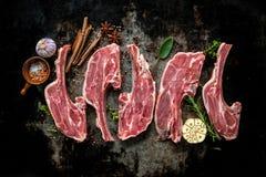 Rohes frisches Lammfleisch stockfoto