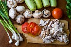 Rohes Gemüse und Pilze Stockbilder