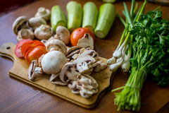 Rohes Gemüse und Pilze Lizenzfreies Stockbild