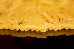 rohes Makkaroni - Teigwaren- und Italienerkücherezepte redeten Konzept an stockfoto