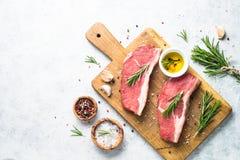 Rohes Rindfleisch striploin Steak lizenzfreie stockfotografie