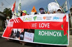 Rohingya myanmar demonstration i indonesia Arkivbilder