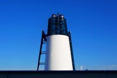 Rohr des Kreuzfahrtschiffs Abstrakter Hintergrund des Schiffs Stockbilder