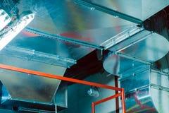 Rohr, Kanalisierung, Belüftung, Klimaanlage, industriell, modern, metallisch stockfoto
