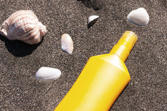 Rohr mit dem Sonnenschutz Stockfotografie