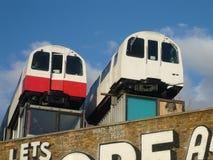 Rohr-Zug-Wagen als Skulptur in Camden London Stockbild