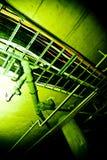 Rohre in der Kellerdecke Stockbild