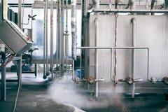 Rohre in einer Fabrik Stockfoto