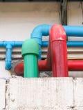 Rohre, Farbe durch seinen Job Lizenzfreie Stockfotografie