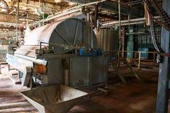 Rohre von Kapazit?tspumpen der Ventilbaumaschinen am des Raffinierungs-petrochemischen Werks des technischen ?ls Gesch?ft stockfoto