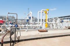 Rohrleitungen mit Gas und Öl Lizenzfreies Stockbild