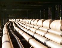 Rohrlinie in der Schwerindustrie Stockbilder