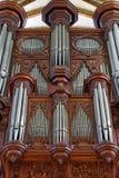 Rohrorgan in der Kirche lizenzfreie stockbilder