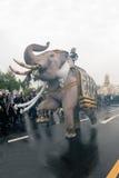 Roi d'honneurs de cortège d'éléphant défunt Photos libres de droits