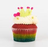 Roi de petit gâteau de couronne avec le coeur d'isolement Images libres de droits