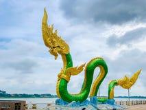 Roi de Phayanak ou de Naga de statue de serpent dans Nong Khai, Thaïlande photos libres de droits