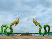 Roi de Phayanak ou de Naga de statue de serpent dans Nong Khai, Thaïlande photo libre de droits