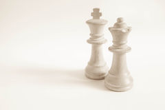 Roi et reine du blanc réglé (échecs) Photos libres de droits