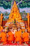 Roi Et, Thailand - Oktober 29,2018: Ordening in het festival van verdienste Het is een traditie die in Thailand voorkomt stock fotografie