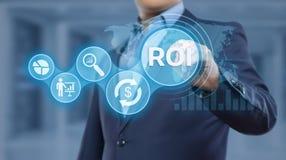 ROI Return auf Investitions-Finanzgewinn-Erfolgs-Internet-Geschäfts-Technologie-Konzept lizenzfreie stockbilder