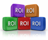 ROI Return On Investment Cubes-Blöcke Lizenzfreie Stockfotografie