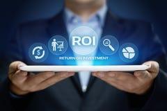 ROI Return på begrepp för teknologi för affär för internet för framgång för investeringfinansvinst arkivfoton