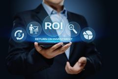 ROI Return på begrepp för teknologi för affär för internet för framgång för investeringfinansvinst royaltyfri foto