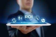 ROI wskaźnika rentowności finanse zysku sukcesu technologii Internetowy Biznesowy pojęcie Obrazy Stock