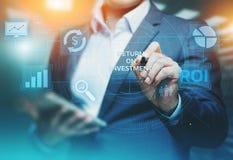 ROI wskaźnika rentowności finanse zysku sukcesu technologii Internetowy Biznesowy pojęcie fotografia royalty free