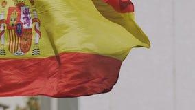 Rojigualda för spanjortillståndsflagga som fladdrar, nationellt symbol av landet, patriotism lager videofilmer