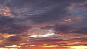 Rojo anaranjado Grey Clouds imagen de archivo