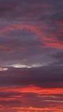 Rojo anaranjado Grey Clouds fotografía de archivo libre de regalías