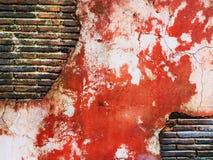 Rojo antiguo del viejo de la pared de ladrillo vintage creativo sucio del arte Imagen de archivo libre de regalías