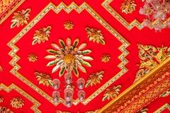 Rojo budista del techo de catedral Imagen de archivo libre de regalías