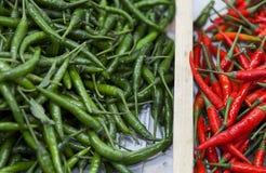 Rojo contra picante verde Imagen de archivo libre de regalías