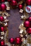 Rojo de la Navidad y chucherías del oro Foto de archivo
