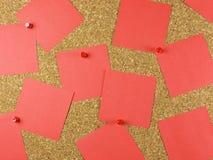 Rojo de la tarjeta del post-it foto de archivo
