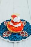 Rojo de la torta de Chou Imágenes de archivo libres de regalías