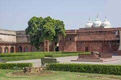 Rojo del fuerte a la ciudad de Agra de la India Fotografía de archivo