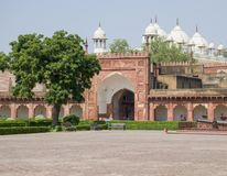 Rojo del fuerte a la ciudad de Agra de la India Foto de archivo
