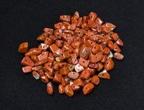Rojo del jaspe, piedra de la libre-forma, fondo Fotos de archivo libres de regalías
