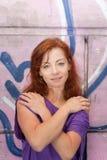 Rojo joven en color de rosa Imagen de archivo