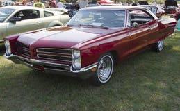 Rojo Pontiac 1966 Foto de archivo