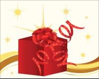 Rojo presente con el arqueamiento y la cinta rizada Foto de archivo libre de regalías