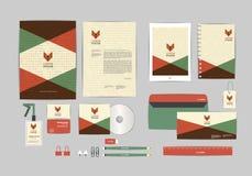 Rojo, verde y marrón con la plantilla de la identidad corporativa del triángulo para su negocio Foto de archivo libre de regalías