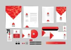 Rojo y blanco con la plantilla de la identidad corporativa del triángulo para su negocio A Imagenes de archivo