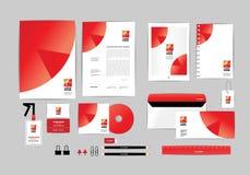 Rojo y blanco con la plantilla de la identidad corporativa del triángulo para su negocio D Foto de archivo