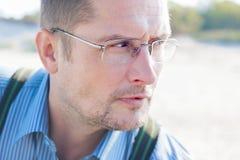 40 rok mężczyzna portreta zakończenia up zdjęcie stock